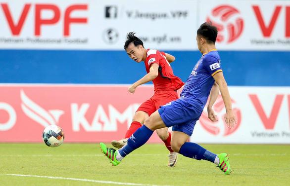 Văn Toàn ghi bàn, Hoàng Anh Gia Lai vẫn không thể chiến thắng - Ảnh 2.