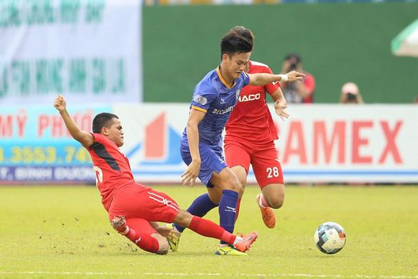 Văn Toàn ghi bàn, Hoàng Anh Gia Lai vẫn không thể chiến thắng - Ảnh 1.