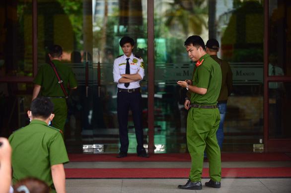 Khám xét nơi ở, nơi làm việc của ông Trần Vĩnh Tuyến, Trần Trọng Tuấn - Ảnh 3.