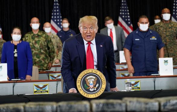 Tổng thống Trump phát biểu trên Không lực 1: Quan hệ Mỹ-Trung tổn hại nghiêm trọng - Ảnh 1.