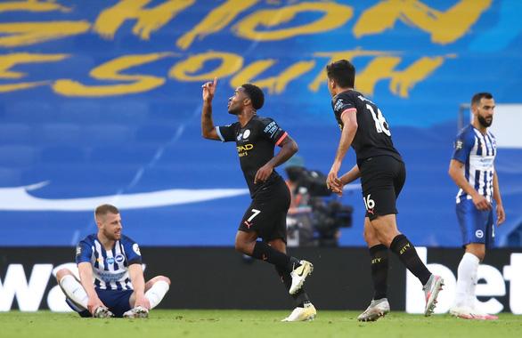 Sterling lập hat-trick, Man City đại thắng Brighton 5-0 - Ảnh 1.