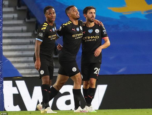 Sterling lập hat-trick, Man City đại thắng Brighton 5-0 - Ảnh 2.