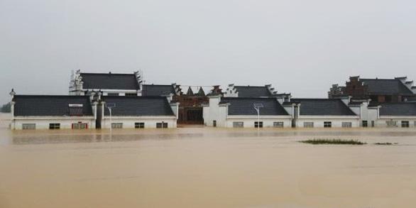 Dải mây Mei-yu gây mưa lũ nặng nề ở Trung Quốc có tràn tới Việt Nam? - Ảnh 1.