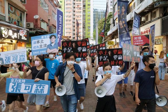 Hơn 613.000 người Hong Kong đi bầu ứng viên đối lập, gấp 5 lần dự kiến - Ảnh 1.