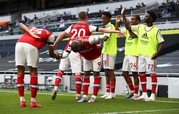 Son Heung-Min 'nổ súng', Tottenham thắng ngược Arsenal trong trận derby London - Ảnh 1.