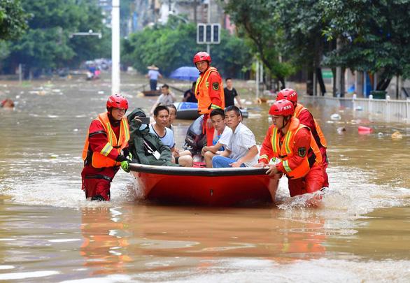 Một tháng mưa liên hồi, dư luận theo dõi sát đập Tam Hiệp - Ảnh 1.