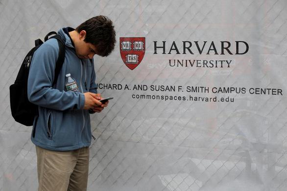 59 đại học Mỹ ủng hộ kiện chính quyền Trump bắt du học sinh hồi hương nếu trường dạy online - Ảnh 1.