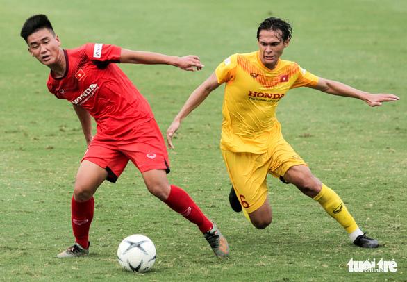 Giải bóng đá nữ VĐQG 2020 phải nhường sân cho U22 Việt Nam tập trung - Ảnh 1.