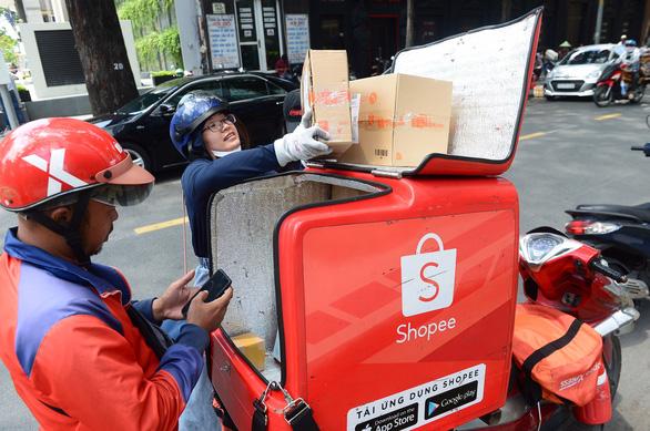 Shopee: thanh toán không tiền mặt đang dần phổ biến ở nhóm người dùng lớn tuổi - Ảnh 1.