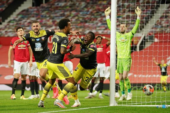 Manchester United mất 2 điểm đáng tiếc ở phút 90+6 - Ảnh 3.