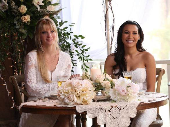 Đã tìm thấy thi thể nữ diễn viên Naya Rivera của Glee ở dưới đáy hồ - Ảnh 3.