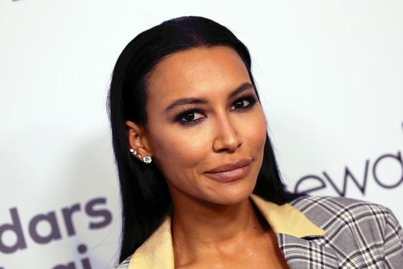 Đã tìm thấy thi thể nữ diễn viên Naya Rivera của Glee ở dưới đáy hồ - Ảnh 1.