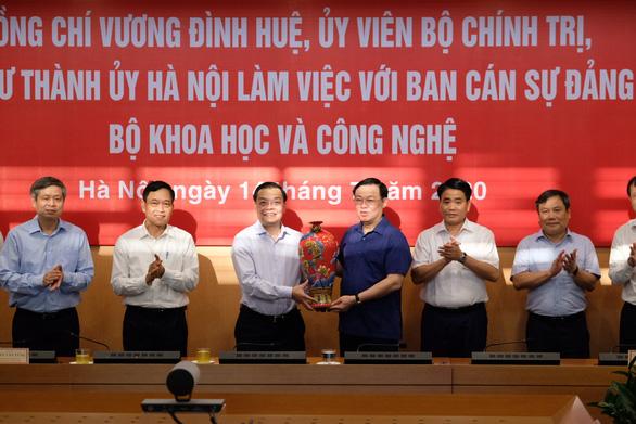 Chủ tịch Hà Nội Nguyễn Đức Chung: 'Làm rõ ứng dụng KH-CN trong phát triển - Ảnh 1.