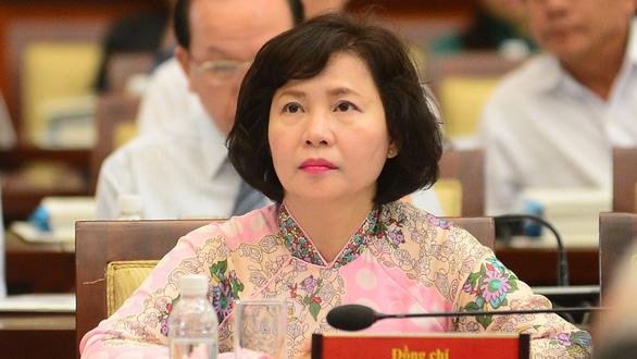 Từ vụ bà Hồ Thị Kim Thoa bỏ trốn: Vì sao không ngăn chặn người sai phạm sớm hơn? - Ảnh 1.