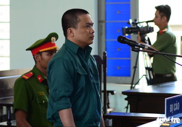 Nguyên kế toán trưởng Trung tâm y tế Phan Thiết hầu tòa về hành vi tham ô - Ảnh 1.