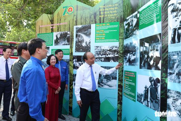 Thủ tướng Nguyễn Xuân Phúc: Nơi gian khổ, khó khăn, có thanh niên xung phong - Ảnh 1.