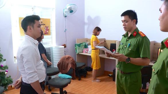 Triệt phá nhóm lừa trúng thưởng qua mạng viễn thông tại Nha Trang - Ảnh 2.