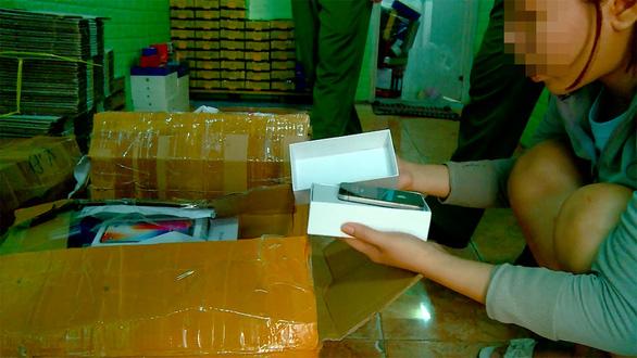 Triệt phá nhóm lừa trúng thưởng qua mạng viễn thông tại Nha Trang - Ảnh 4.