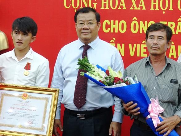 Ông Nguyễn Tăng Bính được phân công phụ trách, điều hành UBND tỉnh Quảng Ngãi - Ảnh 1.