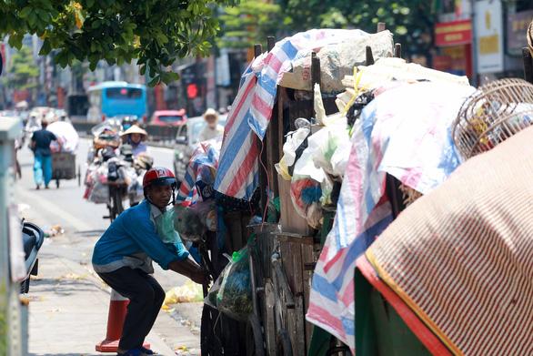 Cử tri Hà Nội kiến nghị làm rõ sai phạm vụ ngộ độc Pate Minh Chay - Ảnh 2.