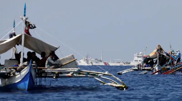 Sau tuyên bố Biển Đông của Mỹ, Trung Quốc hứa hẹn nhiều với Philippines - Ảnh 2.