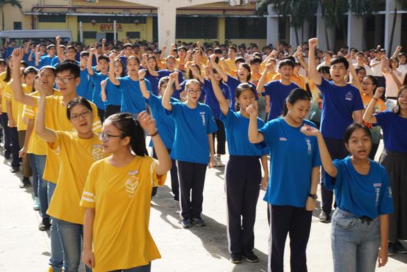 TP.HCM: 4.000 học sinh đăng ký vô lớp 6 Trường Trần Đại Nghĩa, 1 chọi 7 - Ảnh 1.