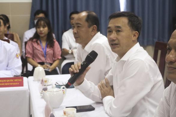 Thứ trưởng Trần Văn Thuấn: Cần quan tâm bệnh viện tuyến quận để phục vụ người dân - Ảnh 1.