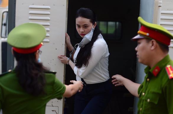 Trùm ma túy Văn Kính Dương và hot girl Ngọc Miu tiếp tục hầu tòa - Ảnh 2.