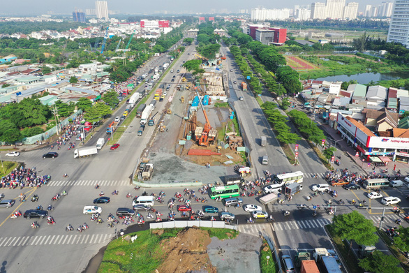 Tìm lời giải cho giao thông, đô thị Nam Sài Gòn - Ảnh 2.