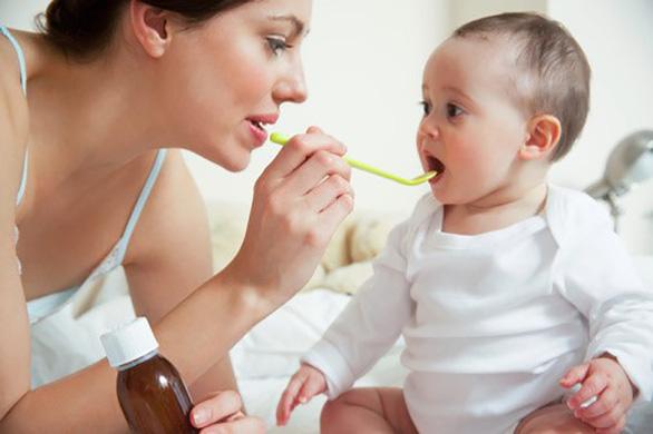 Thuốc ho nào để cắt dịu cơn ho mà vẫn an toàn cho trẻ? - Ảnh 1.