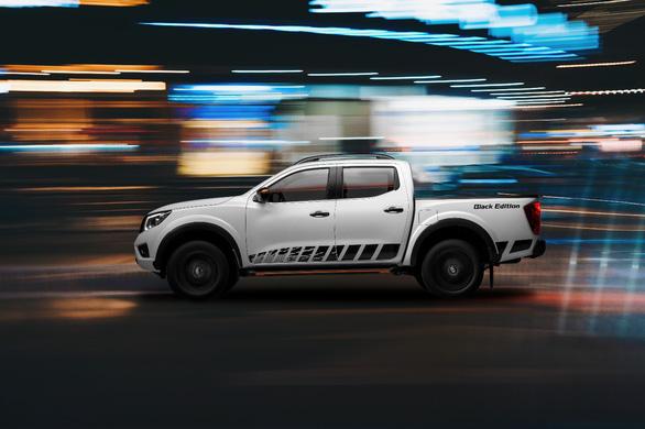 Nissan Việt Nam chính thức ra mắt phiên bản Navara Black Edition A-IVI - Ảnh 1.
