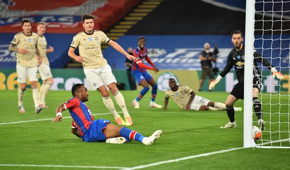 Được VAR cứu, Man Utd tiếp tục nuôi hy vọng vào top 4 - Ảnh 4.