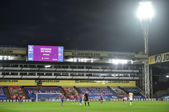 Được VAR cứu, Man Utd tiếp tục nuôi hy vọng vào top 4 - Ảnh 5.