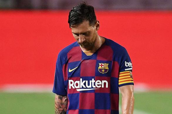 Bị Real Madrid soán ngôi, Lionel Messi chua chát thốt: Chúng tôi là đội bóng yếu - Ảnh 1.