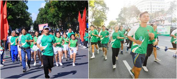 Hơn 2.100 học sinh tham gia Ngày chạy Olympic vì sức khỏe toàn dân với màn đồng diễn ấn tượng - Ảnh 4.