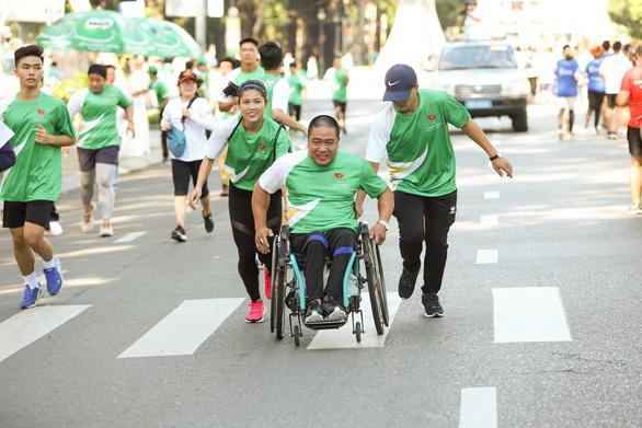 Hơn 2.100 học sinh tham gia Ngày chạy Olympic vì sức khỏe toàn dân với màn đồng diễn ấn tượng - Ảnh 6.