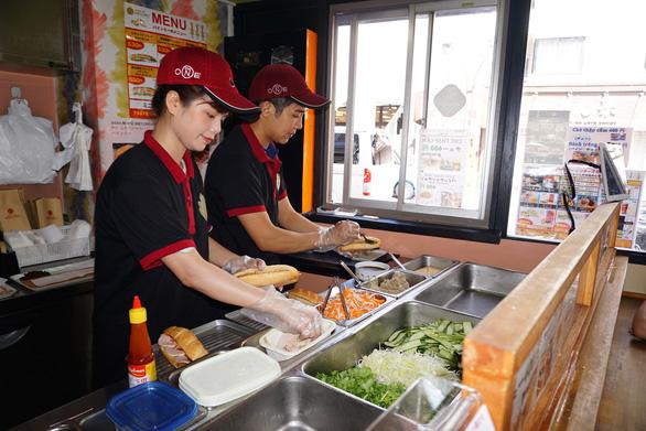 Bánh mì Xin chào của người Việt nổi danh trên nhiều kênh báo chí hàng đầu Nhật Bản - Ảnh 2.