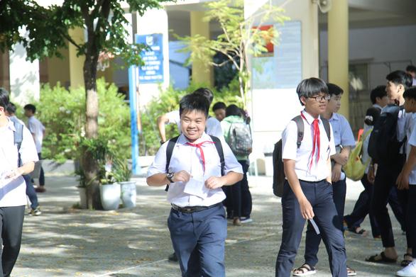 Đề tiếng Anh nhẹ nhàng, thí sinh thi lớp 10 Đà Nẵng thở phào - Ảnh 5.