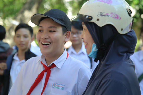 Đề tiếng Anh nhẹ nhàng, thí sinh thi lớp 10 Đà Nẵng thở phào - Ảnh 6.