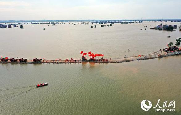 Nước lũ lớn kinh hoàng đổ về đập Tam Hiệp, vượt cảnh báo 15 mét - Ảnh 6.