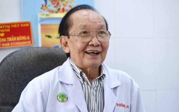 Giáo sư Trần Đông A: Làm nghề y, ở đâu cũng cứu người - Ảnh 2.