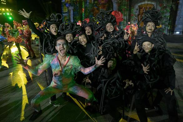 Lượng khách đến hệ thống Vinpearl Nha Trang tăng trưởng tốt - Ảnh 1.
