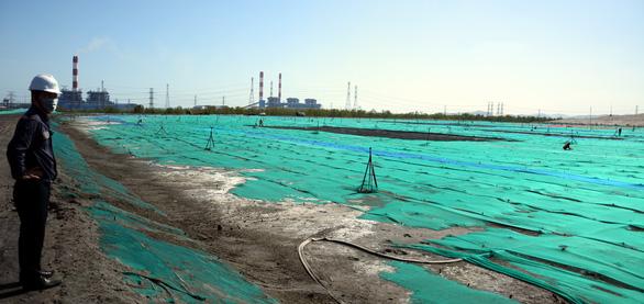 Vẫn còn gần 11 triệu tấn tro xỉ tại Trung tâm nhiệt điện Vĩnh Tân - Ảnh 1.