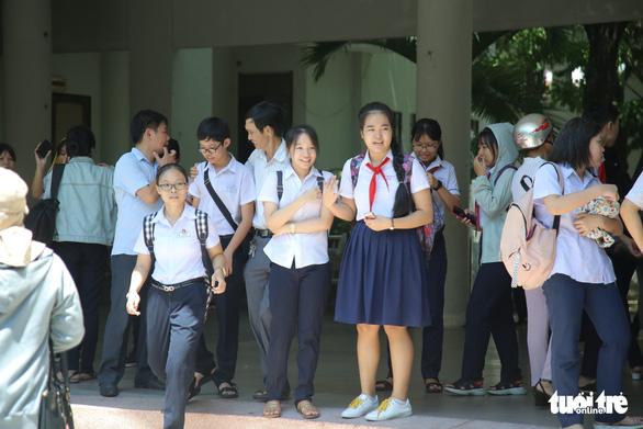 Thi lớp 10 Đà Nẵng: Thí sinh hụt hẫng vì đề văn không thời sự - Ảnh 7.