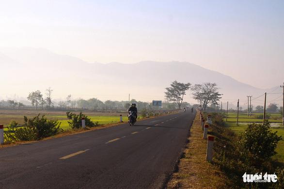 Các tỉnh Tây Nguyên kiến nghị Chính phủ mở đường cao tốc, đường sắt - Ảnh 1.