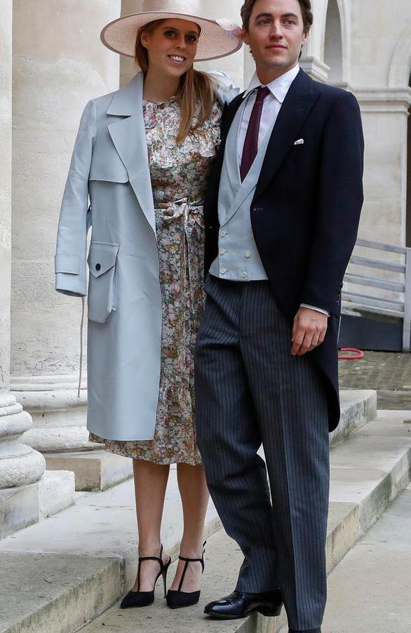 Công chúa Anh lặng lẽ kết hôn, Nữ hoàng chứng kiến cùng 20 người - Ảnh 5.