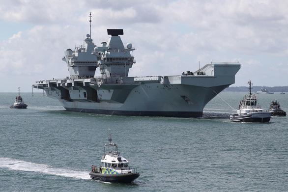 Trung Quốc cảnh báo Anh không điều tàu sân bay, kéo bè kéo cánh với Mỹ - Ảnh 1.