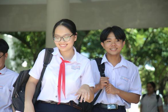 Đề thi Toán lớp 10 Đà Nẵng dài và khó đạt điểm tối đa - Ảnh 1.