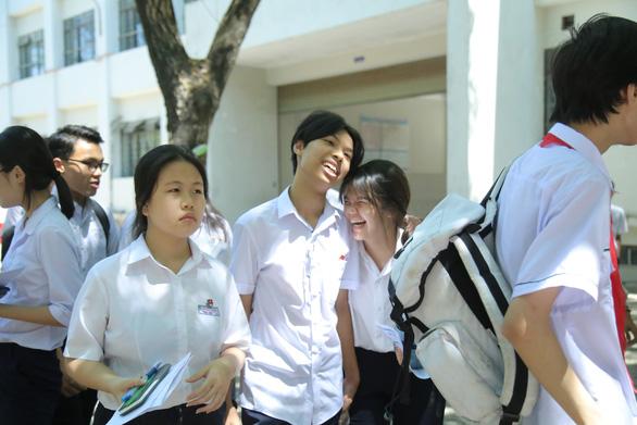 Đề thi Toán lớp 10 Đà Nẵng dài và khó đạt điểm tối đa - Ảnh 6.