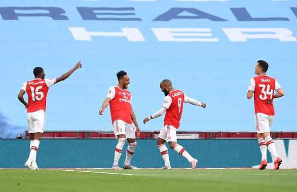 Aubameyang rực sáng, Arsenal hạ Man City vào chung kết Cúp FA - Ảnh 1.